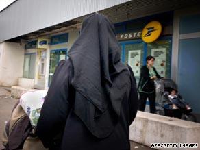 A woman wears traditionnal Muslim dress in Venissieux, near Lyon, France.
