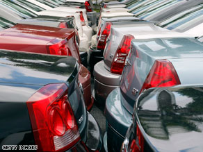 The Supreme Court has delayed the imminent sale of most of Chrysler's assets to a group led by Italian automaker Fiat.