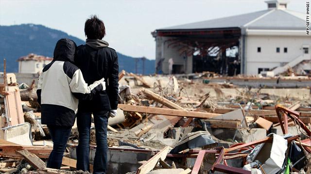 Japan quake live blog: Arriving planes trigger low-level radiation alerts in U.S.