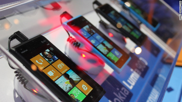 Microsoft's flagship phone, the Lumia 900, has received universally great reviews.