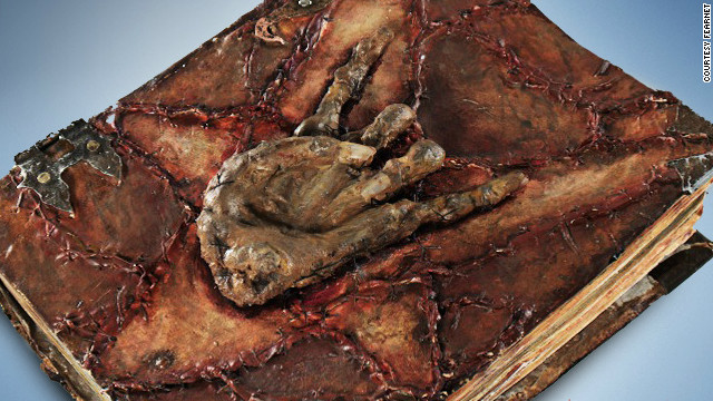Libros diabólicos que provocan la muerte