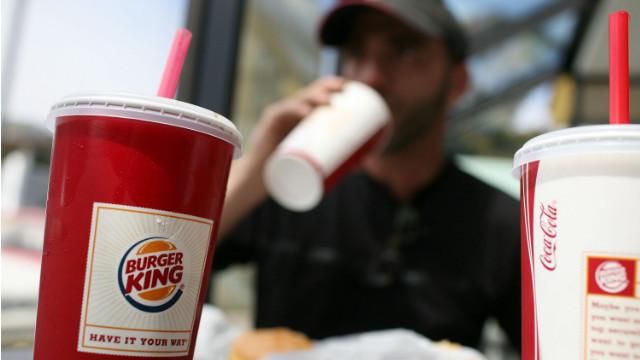 Nueva York quiere prohibir las sodas y otras bebidas azucaradas en tamaño grande