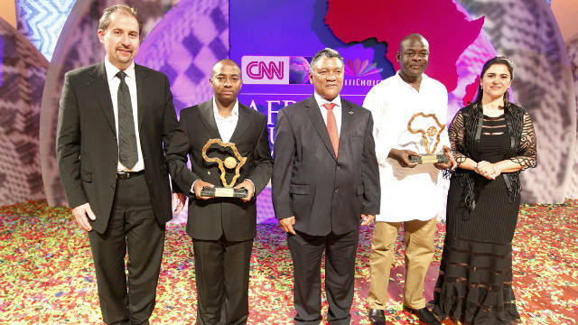 From l-r: Nico Meyer, CEO MultiChoice Africa; Evanson Nyaga, winner; Zambian Foreign Affairs Minister Given Lubinda; Tom Mboya, winner; and Parisa Khosravi, senior vice president for CNN Worldwide.