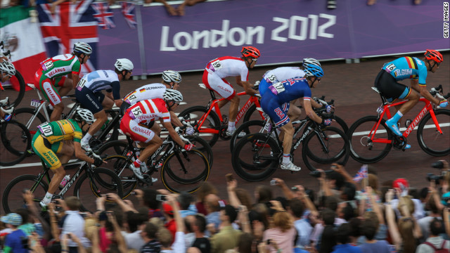 Broadcasters said they were unable to determine the distance between cyclists during Saturday's men's event in London.
