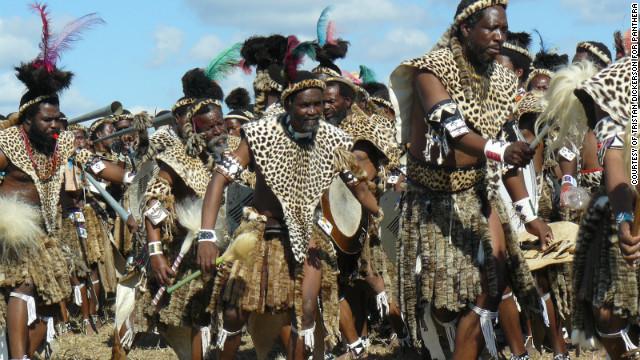 Leopardos salvajes amenazados por una tradición religiosa en África