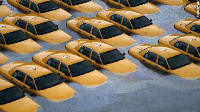 Superstorm Sandy's toll: Mounting deaths, historic destruction, stranded residents