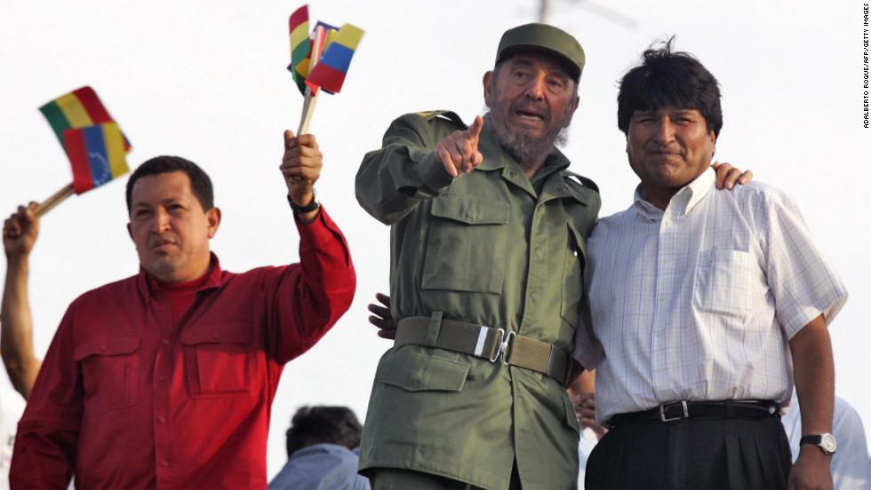 Fidel se convirtió en una especie de tutor para los nuevos gobernantes latinoamericanos de izquierda como Hugo Chávez y Evo Morales.