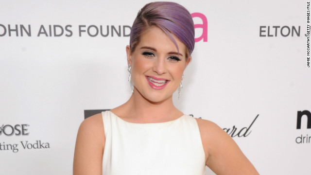 "In 2004, a then 19-year-old Kelly Osbourne <a href='http://www.cnn.com/2004/SHOWBIZ/Music/04/02/osbournes.lkl/'>reportedly entered rehab</a> for an addiction to pain killers. ""The amount of pills that was found in her bag was astounding,"" her father Ozzy said.<!-- --></br>"
