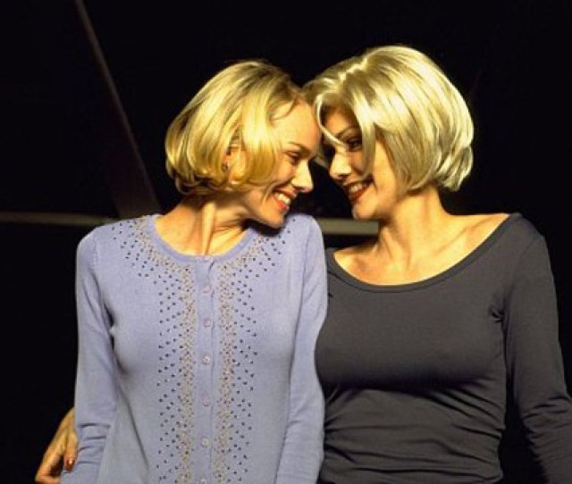 Naomi Watts Left And Laura Harring Got Hot And Heavy In Mulholland Drive