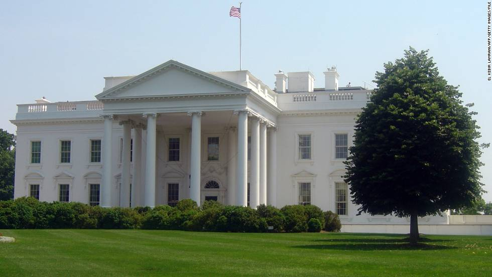 The White House is seen during the heat wave that hit Washington on May 26, 2011.