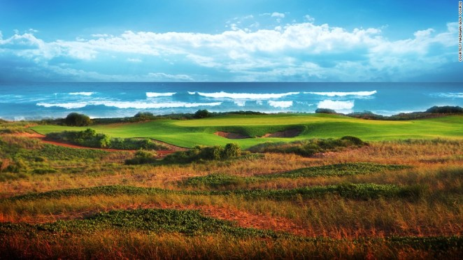 A links course that stretches alongside the beach and dunes on the Atlantic Ocean, the par 72 course can be stretched to 7,484 yards from the back tees. Several sets of tees allow mortals to play at distances ranging from 6,142-6,647 yards.