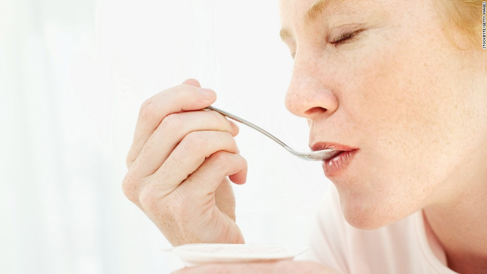 """<strong>The 10 most filling foods for weight loss</strong><br /><br />If you were to describe The Perfect Food, it might go something like this: healthful, delicious, bigger than a morsel and filling enough to fight hunger for hours. """"Foods that promote satiety"""" -- a feeling of lasting fullness -- """"do exist,"""" insists Dr. David Katz, founder of the Yale University Prevention Research Center. <br /><br />What makes some grub extra satisfying? """"Fiber and protein can help,"""" says Barbara Rolls, author of """"The Ultimate Volumetrics Diet."""" Getting more bang for your bite matters, too: Low-energy-density foods, which yield big portions for few calories, """"allow you to eat more without gaining weight,"""" Rolls says. Want some of that? Make room for these secret-weapon picks.<br /><br /><a href="""" http://www.health.com/health/gallery/0,,20645166,00.html"""" target=""""_blank"""">Health.com: The 25 best diet tricks of all time</a>"""