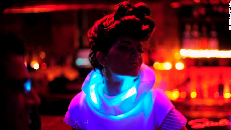 https://i1.wp.com/i2.cdn.turner.com/cnnnext/dam/assets/140128102823-wearable-tech-mood-lights-sensoree-horizontal-large-gallery.jpg
