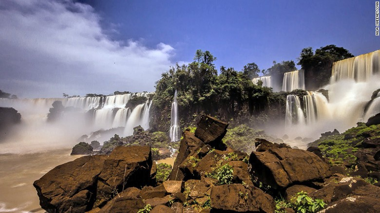 It's possible to explore the spectacular Devil's Throat waterfalls by speedboat.