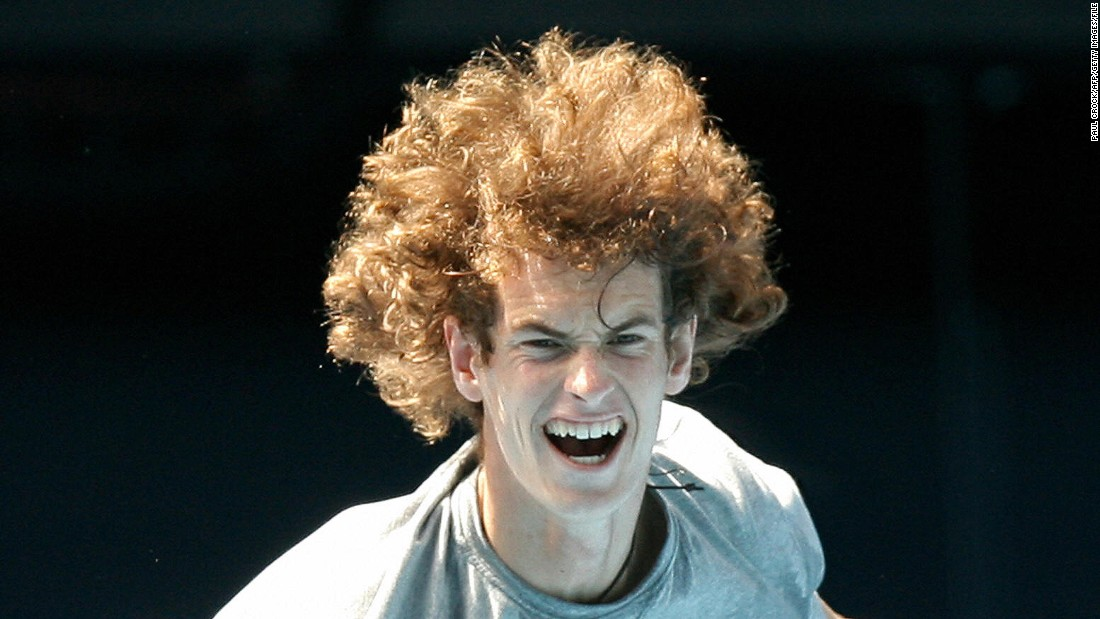 Federer Asks Murray For Hairstyle Tips On Twitter