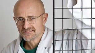 https://i1.wp.com/i2.cdn.turner.com/cnnnext/dam/assets/150409131041-head-transplant-doctor-3-story-body-only-medium-plus-169.jpg?w=878