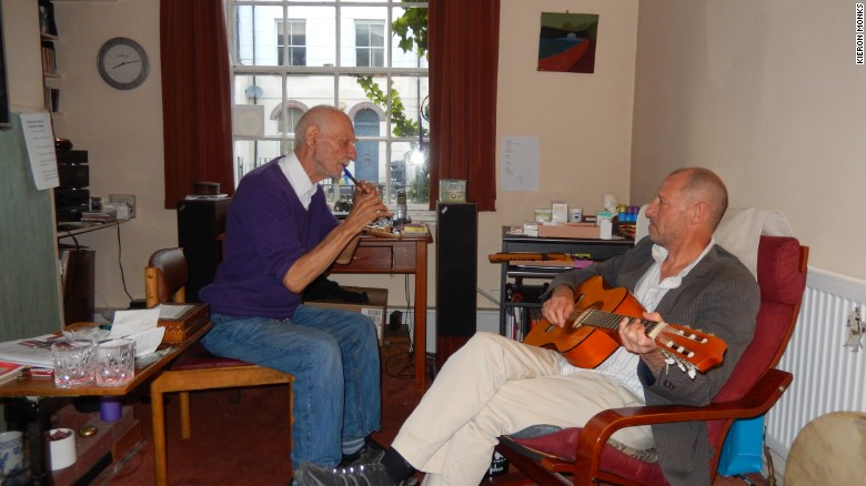 Keith Soutar, 79, leads an afternoon jam.