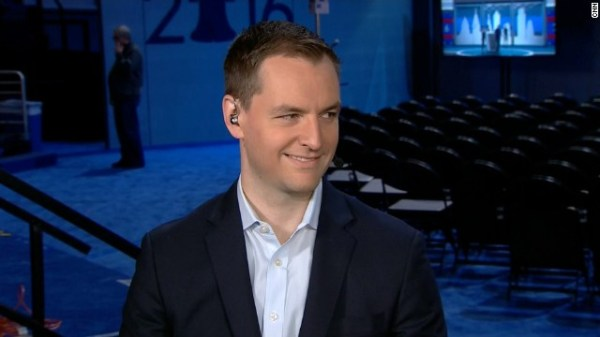 Gemist: Full interview: Clinton campaign manager Robby Mook