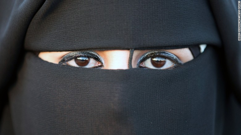 Germany proposes ban on face veils