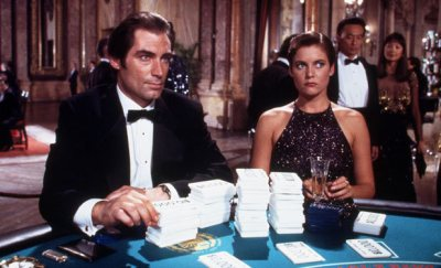Timothy Dalton and Carey Lowell co-star in Licence to Kill