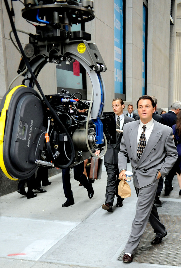 leonardo dicaprio behind the scenes of the wolf of wall on wall street movie id=25263