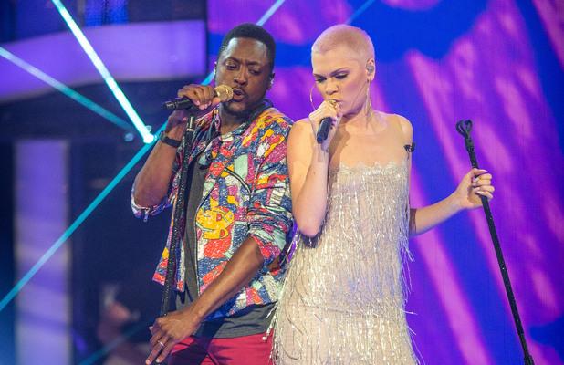Jessie joins Matt to sing 'Never too much'.