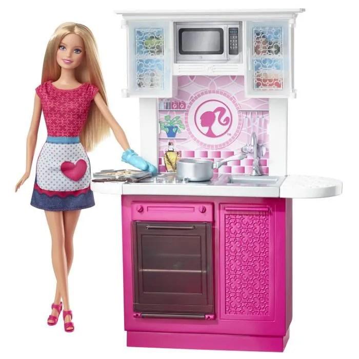 poupee barbie et sa cuisine