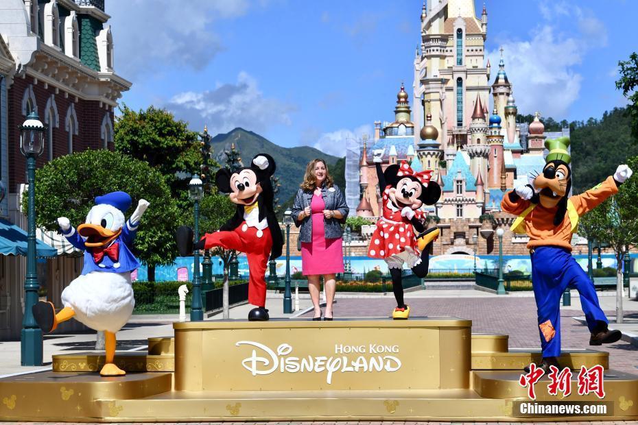 香港迪士尼樂園重開 市民入場游歷奇妙旅程-中新網