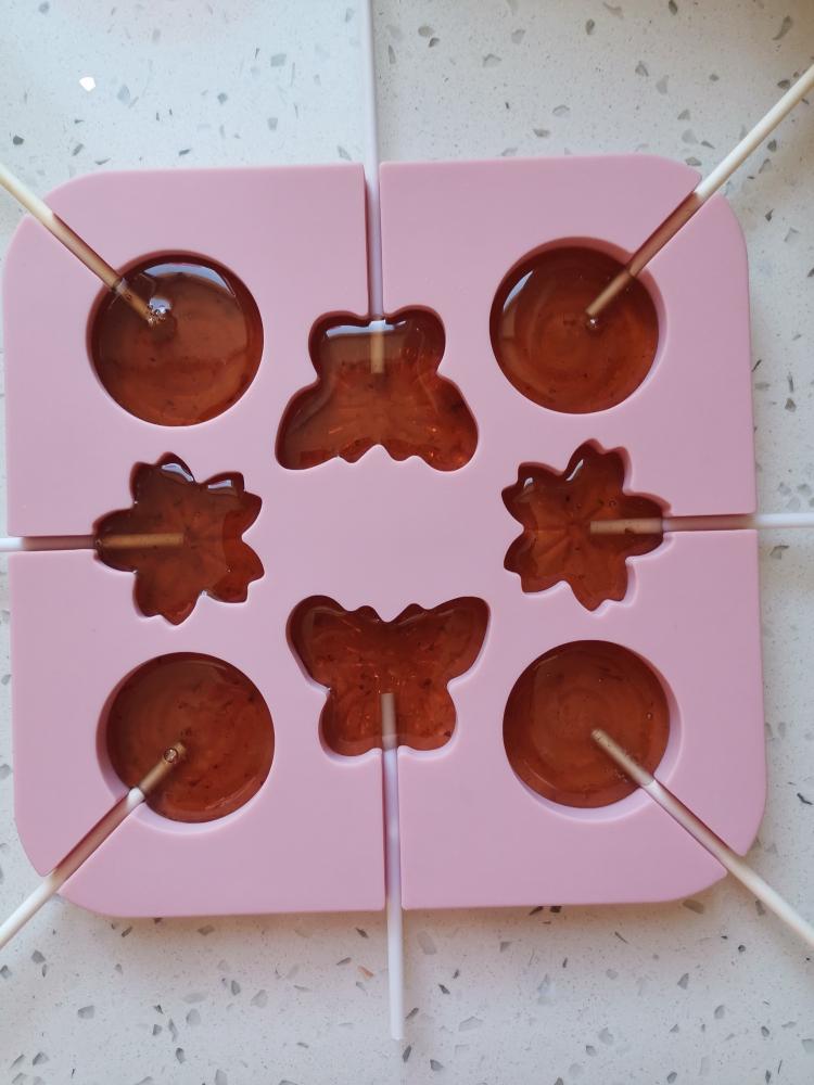草莓棒棒糖🍓