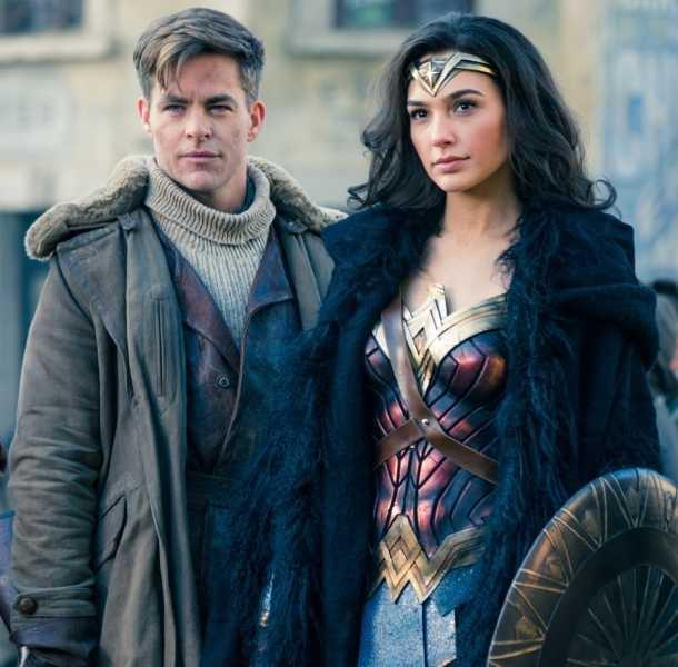 'Deadpool' felicita a 'Mujer Maravilla' por su éxito en taquilla