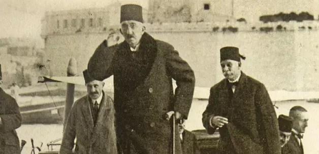 17 Kasım 1922'de Halife Vahdettin İngilizlere sığınıp kaçınca, ile ilgili görsel sonucu