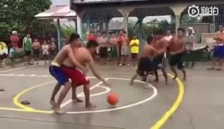 犯规?不存在的!菲律宾野球场让你见识什么叫做真正的肌肉碰撞!