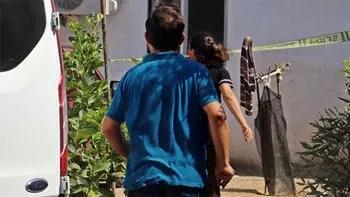 20 yaşındaki ablasını boynuna bıçak saplayarak öldürdü