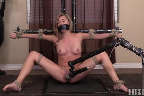 Carolina Sweets – Suffering Sweet 4 (2018/SocietySM.com/DungeonCorp.com/FullHD)