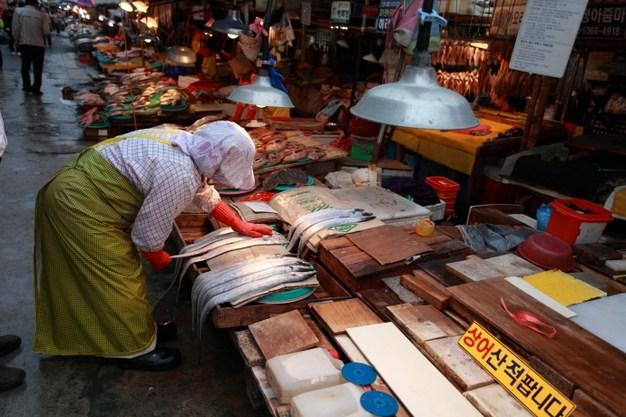 看看韓國人怎樣吃海鮮 - 每日頭條