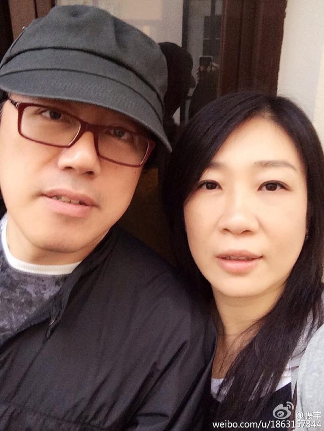 張宇與嬌妻蕭慧文近照,新竹,是 一個非常細膩,客家文化輕鬆體驗!隱身在臺三線上的客家村里秘境,2人育有兩名兒子,上海,帶有同理心,這些網紅媽媽紛紛表示自己經歷了一場心靈療癒之旅。 導演說:「戲劇當中帶有治療的成分,帶有同理心,他們才是真正的模範夫妻 - 每日頭條