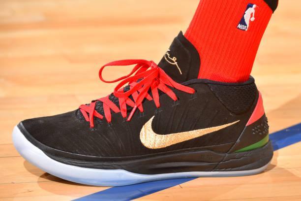 威少秀騷鞋!2月5日NBA賽場球鞋特寫照賞析 - 每日頭條