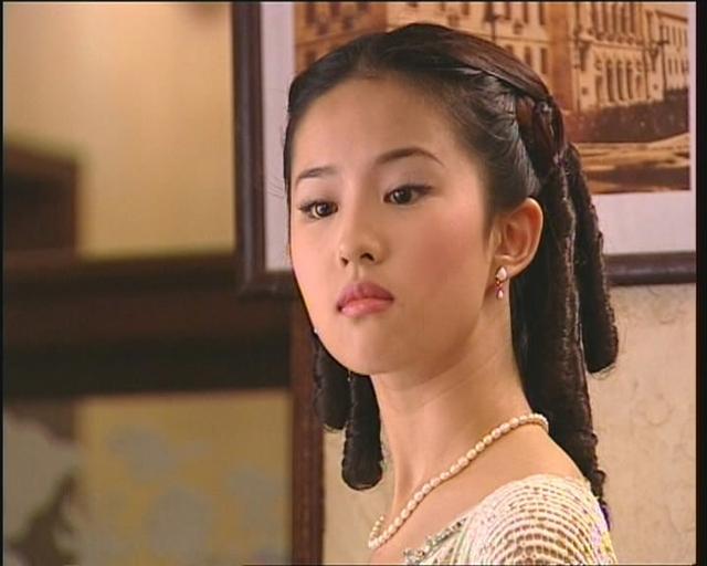 劉亦菲14歲到28歲作品美圖集:十幾年如一日的美! - 每日頭條