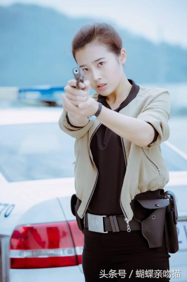 《警察鍋哥》梁舞雲飾演者劉潔涵個人資料背景及男朋友是誰遭起底 - 每日頭條