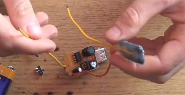 小伙用9V電池自製移動電源,有了它到哪也不擔心手機沒電了 - 每日頭條
