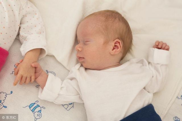 新生嬰兒多久才可以抱出門?最好不要早於這個時間,大多數抱早了 - 每日頭條
