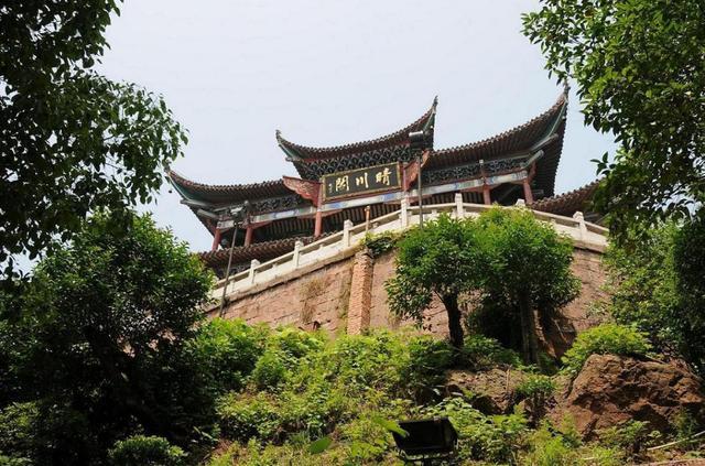 武漢晴川閣之旅,小巧精美,建築古典雅致,環境幽美,值得一去 - 每日頭條