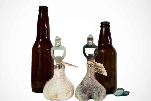 袋鼠蛋蛋做的啤酒開瓶器,這才是真的醉了 - 每日頭條