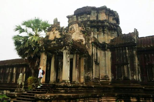 柬埔寨吳哥窟,即是世界最大廟宇,也是世界七大奇蹟之一 - 每日頭條