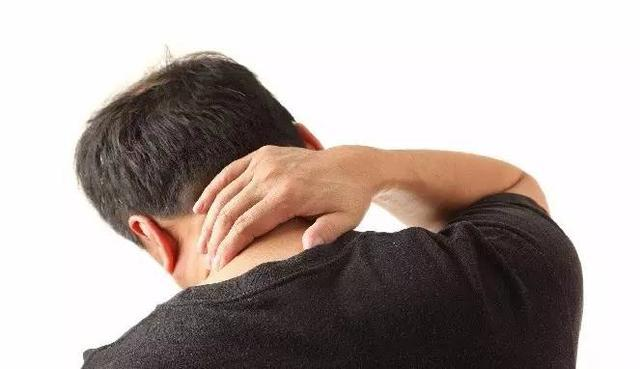 頸部一側起一疙瘩,不痛不癢可能是淋巴結核 - 每日頭條