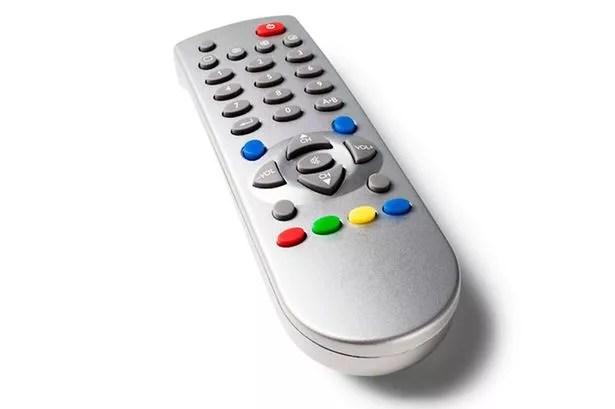 https://i1.wp.com/i2.mirror.co.uk/incoming/article3199191.ece/ALTERNATES/s615/TV-remote-control.jpg