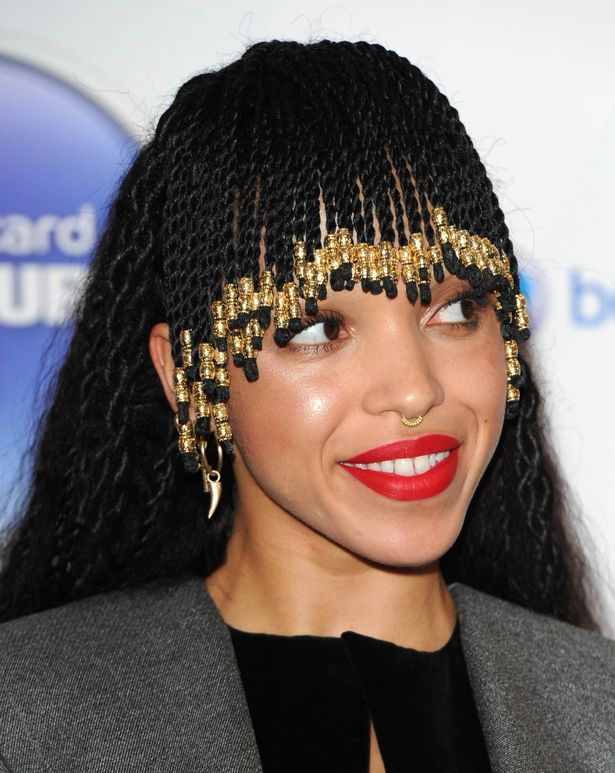 Robert Pattinsons New Girlfriend FKA Twigs Doesnt Deny