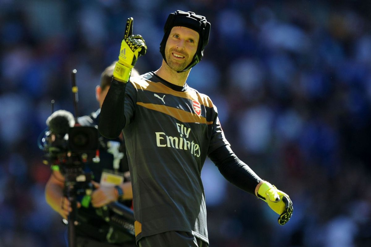 Petr Cech celebrates victory after the final whistle