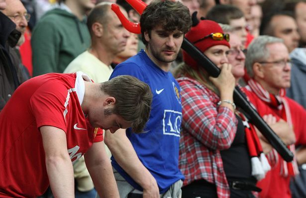 Manchester United fans show their disappointment