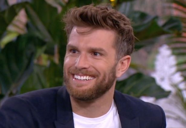 Im A Celebrity Runner Up Joel Dommett Addresses His Tape With A Letter From His Mirror Online